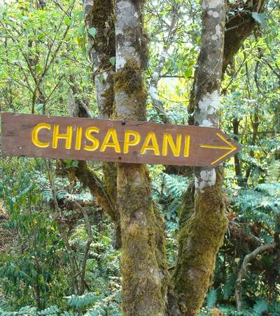 Signpost to Chisapani (2,300m)
