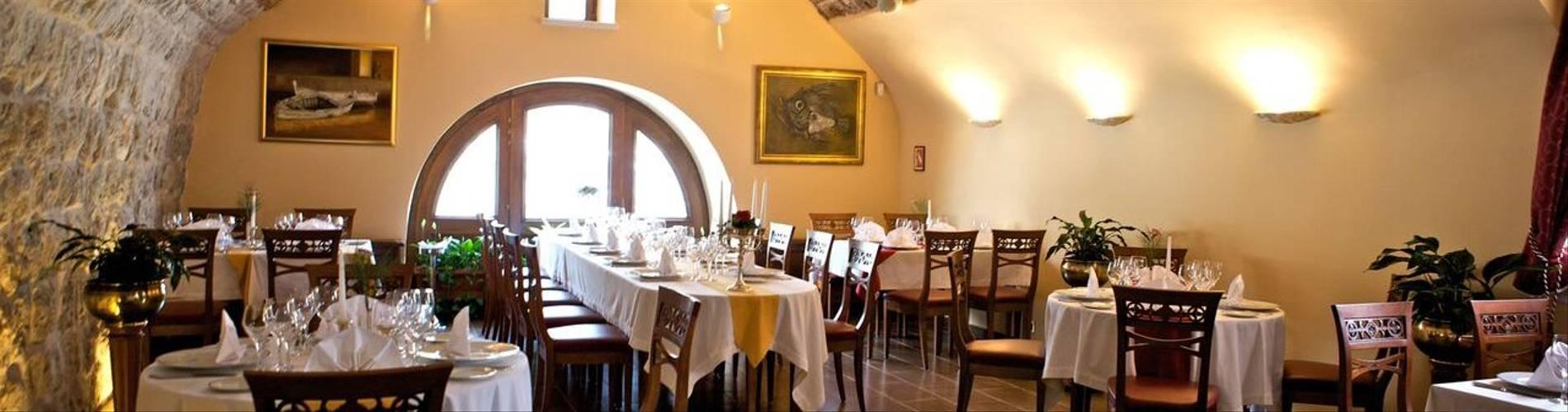 28 - Kazbek restaurant.jpg