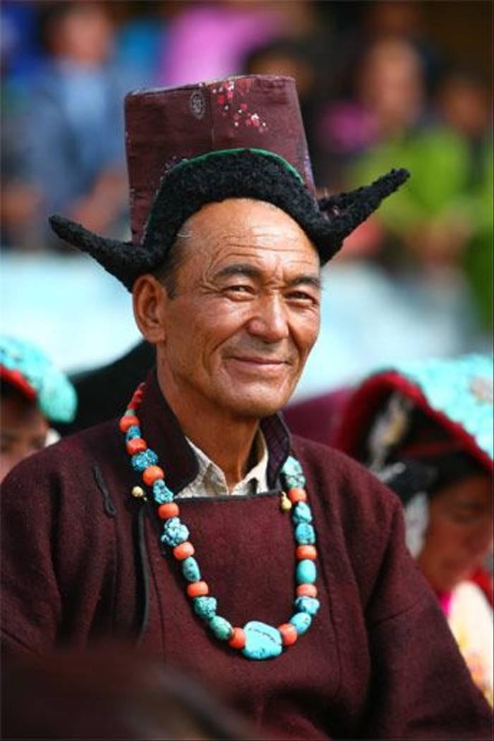 Ladakhi man in traditional dress (Raghu Kulkarni)