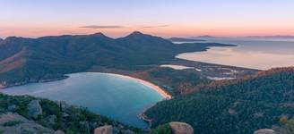 9 Great Oyster Bay & Freycinet Peninsula.jpg