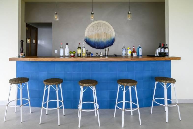 lapazul-retreat-bar.jpg