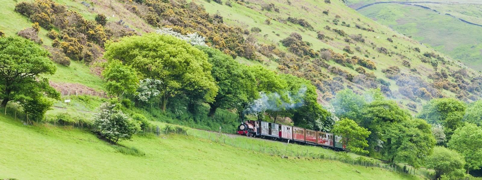 Southern Snowdonia - Dolgellau - Walking with Sightseeing - AdobeStock_59432755.jpeg