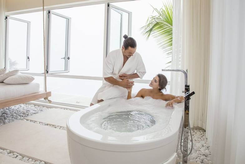 the-retreat-costa-rica-spa-bath.jpg