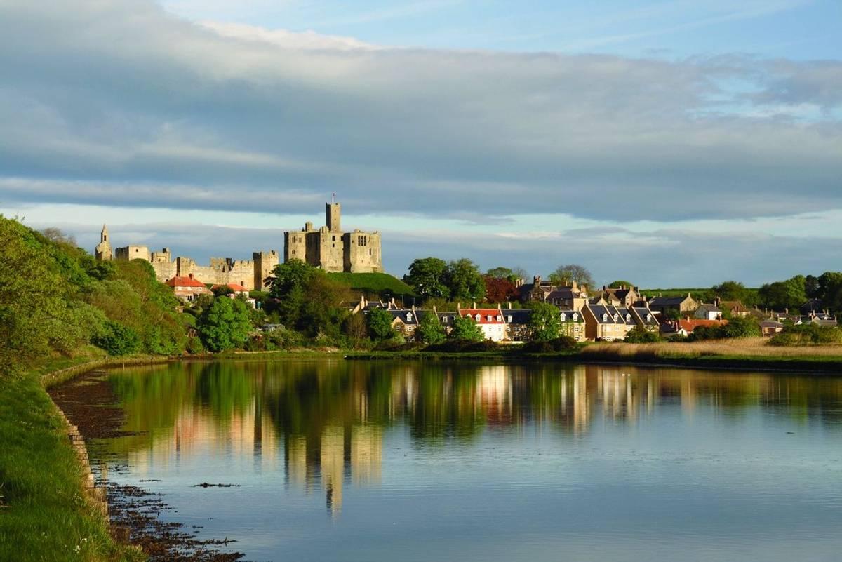 Alnmouth - Warkworth Caste - AdobeStock_3288522.jpg