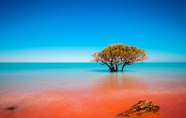 Crab Creek in Broome is the epitome of where the red dirt meets the ocean. with a longer exposure and the crashing of the wa…