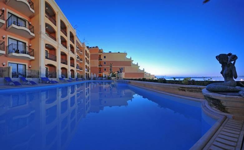 Gozo - Grand Hotel - Grand Hotel Gozo Pool.JPG