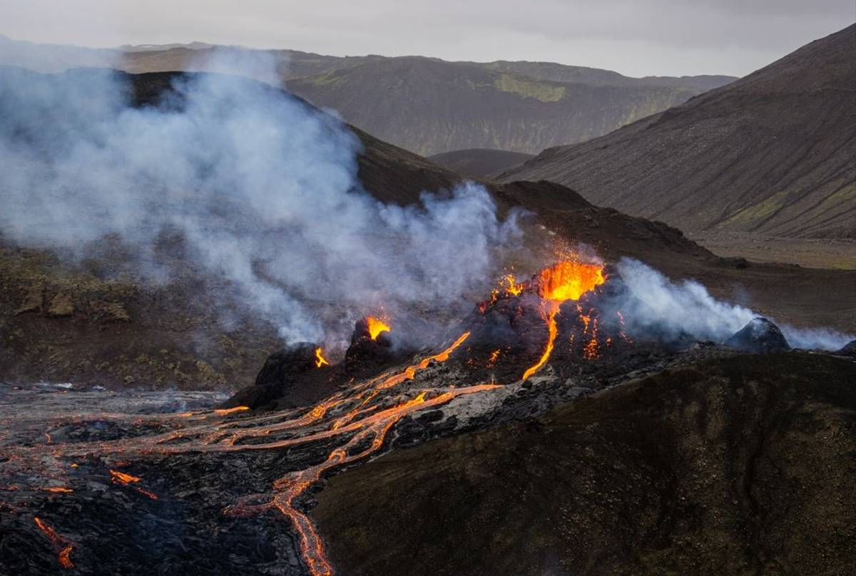 A small volcanic eruption in Mt Fagradalsfjall, Southwest Iceland, in March 2021. The eruption occurred only about 30 km awa…