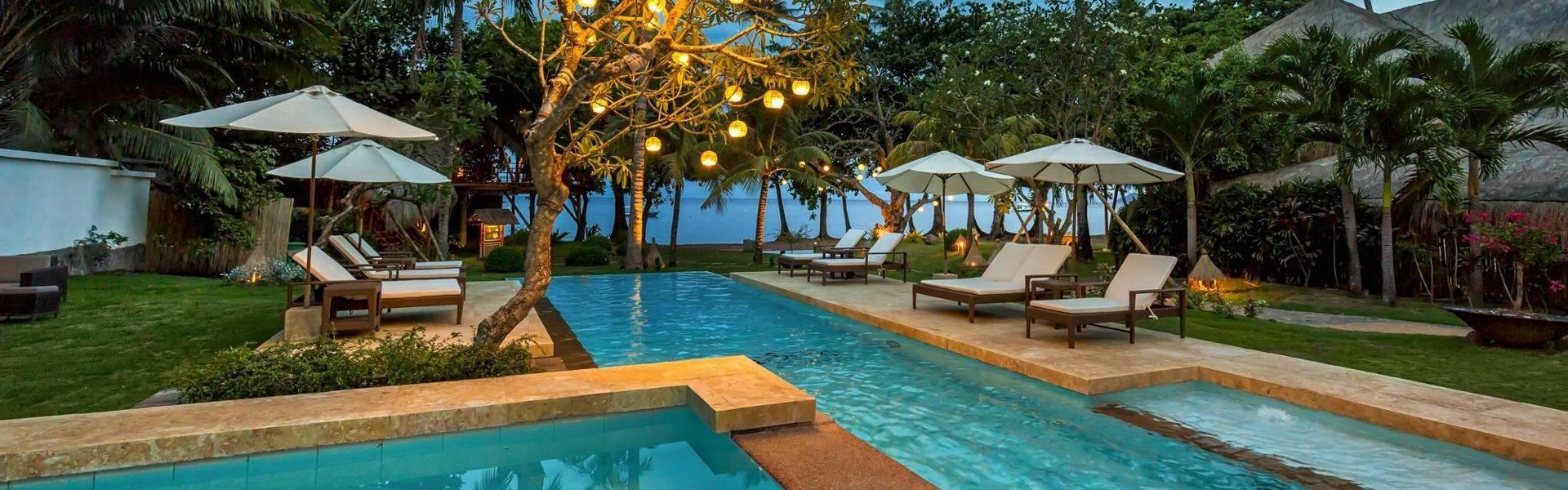 Atmosphere-Resort-lounge-pool.jpg