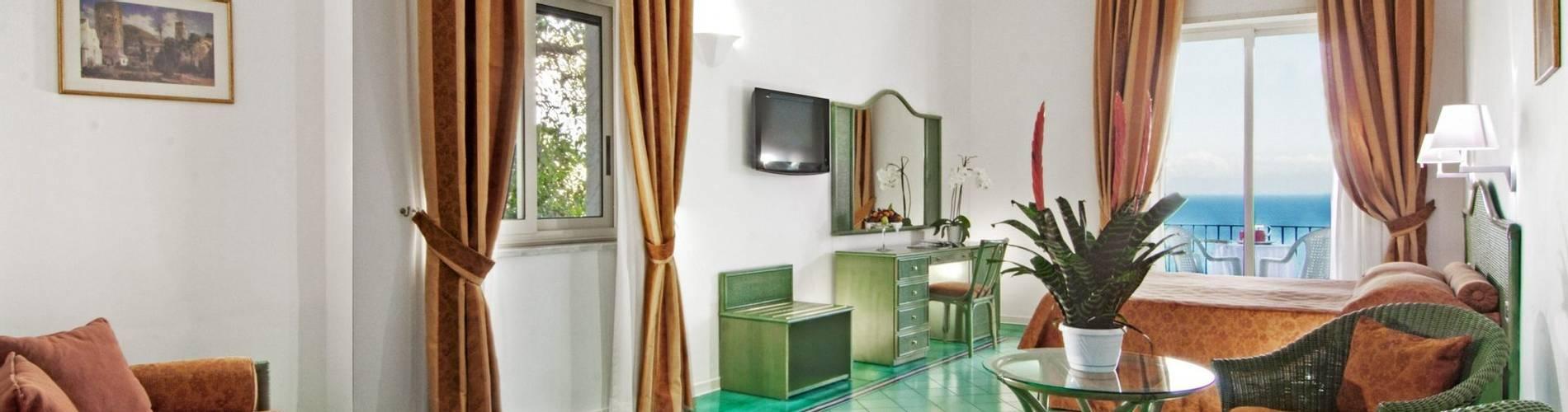 Miramalfi, Amalfi Coast, Italy, Junior Suite (2).jpg