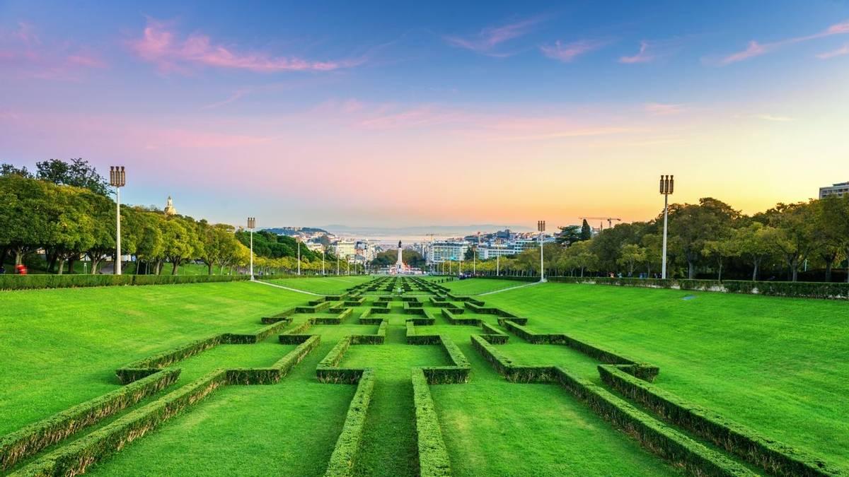 Portugal - Lisbon - Gardens & Palaces of Lisbon and Sintra - AdobeStock_175074652.jpeg