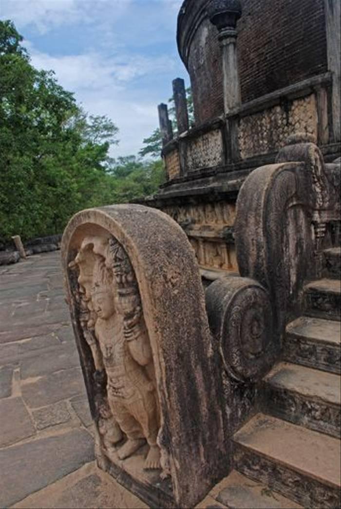 Polonnaruwa (Tom Mills)