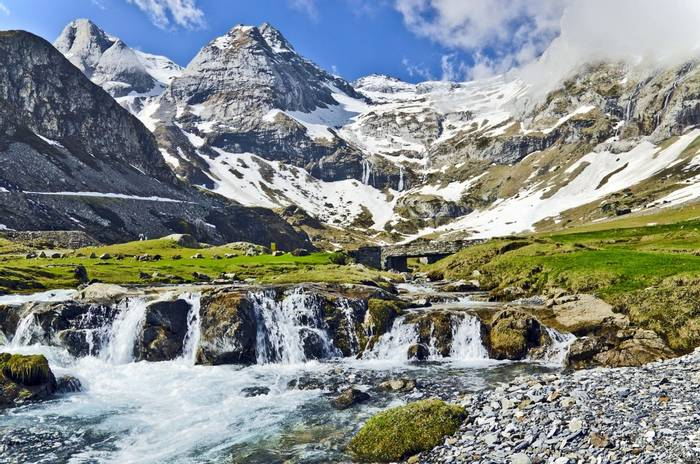 Maillet plateau, French Pyrenees shutterstock_332966036.jpg