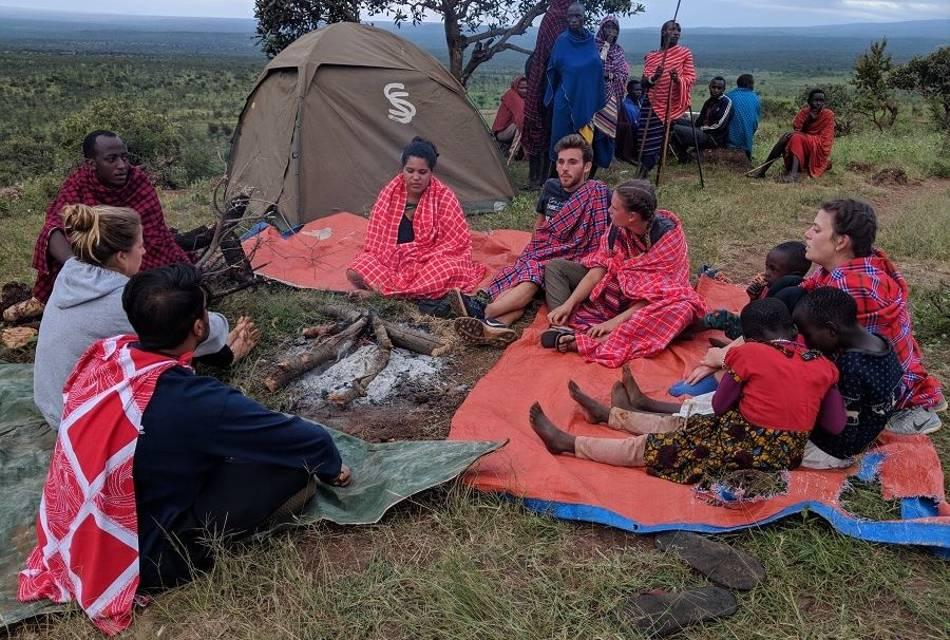 volunteers at Maasai camp learning the life of the maasai
