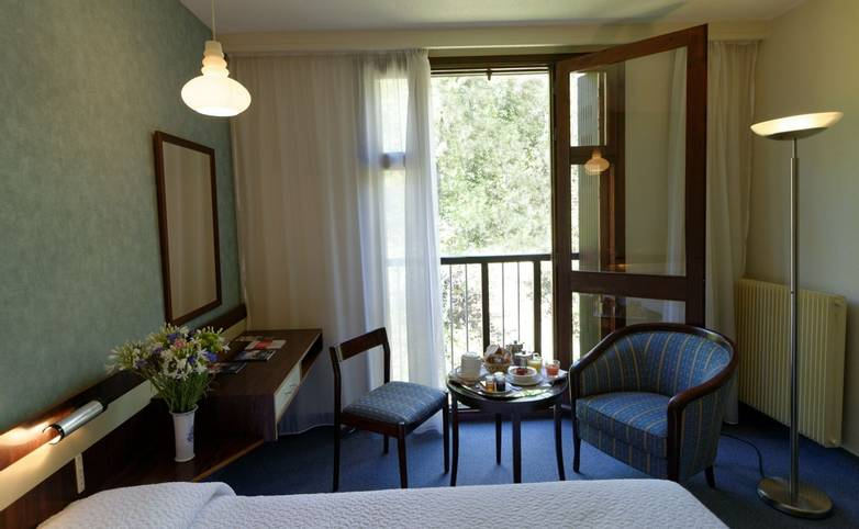 France - Villa Borghese - Chambre Confort.jpg