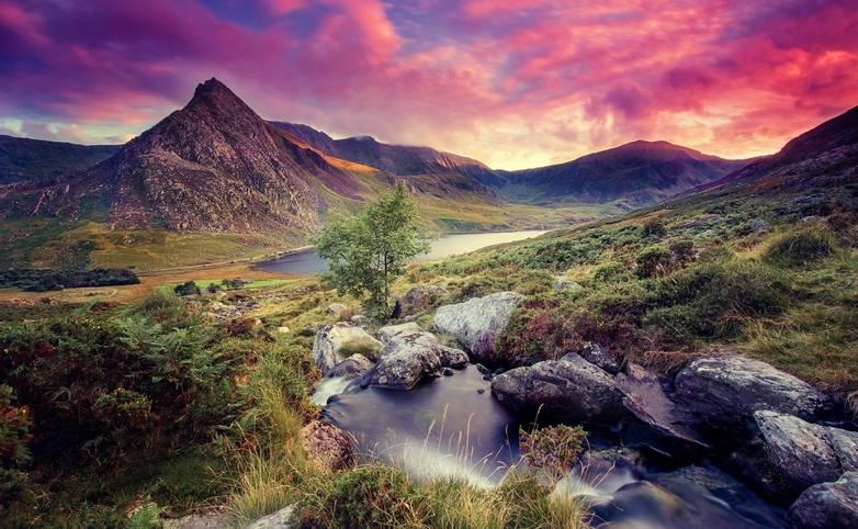 Snowdonia Way - Guided Trail - Tryfan - AdobeStock_200517132.jpeg