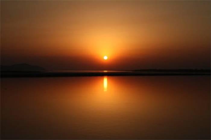 Sunset over the Brahmaputra (Bret Charman)