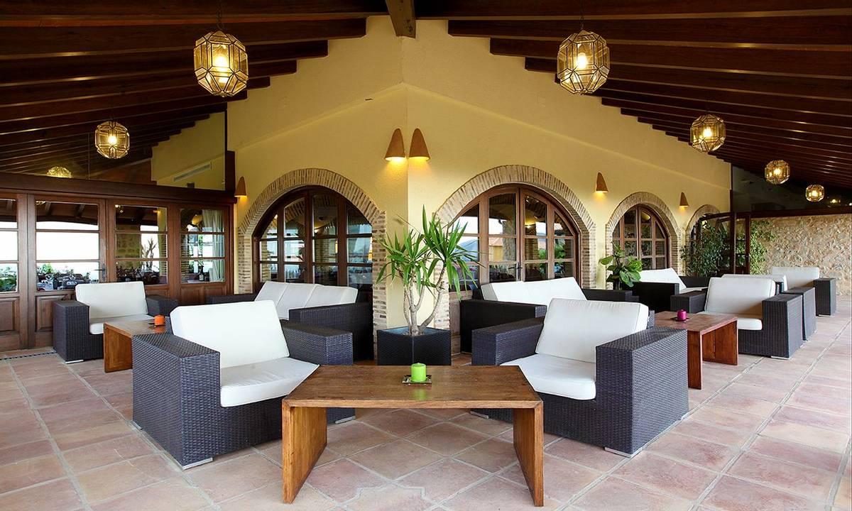 Spain - Valencia - Hotel Alahuar - 04 TERRAZA PRINCIPAL.jpg