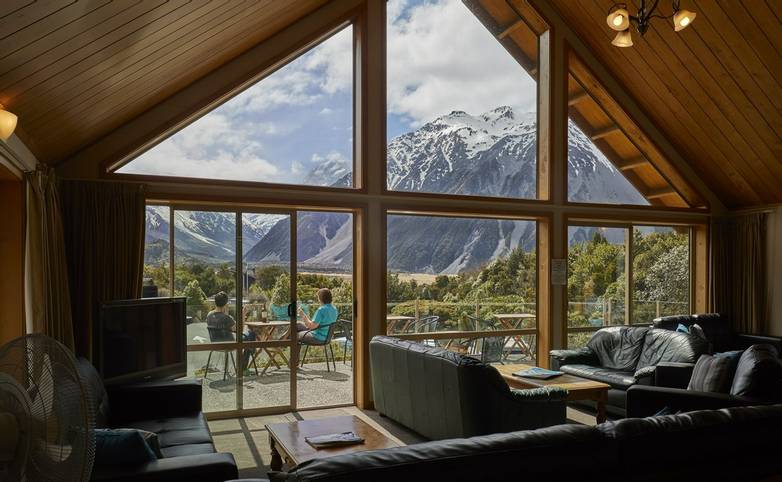 Australasia - New Zealand - Aoraki Lodge Lounge 4.jpg