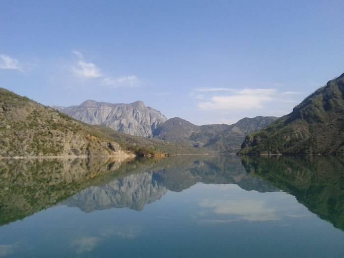 Lake Komani (Tom Mabbett)
