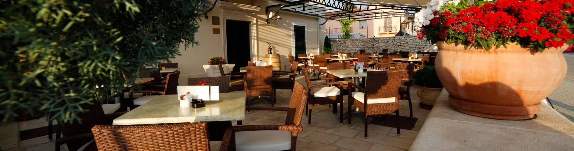 Tisno-sun-terrace.jpg