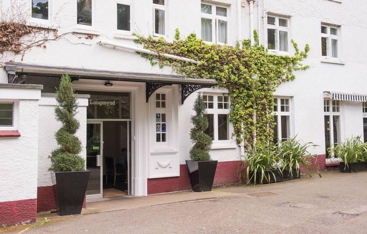 10694_0044 - Longmynd House - Exterior