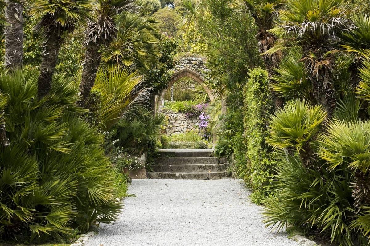 Tresco Abbey Garden, Isles Of Scilly Shutterstock 637439833
