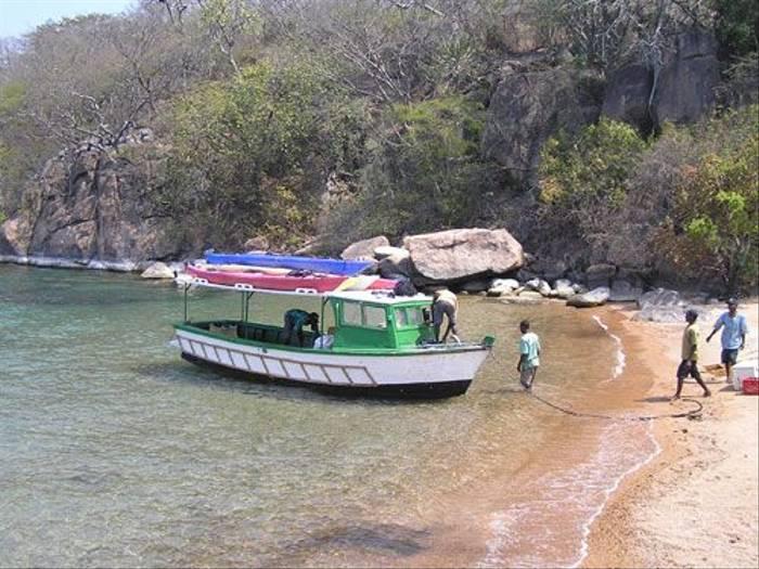 Boat landing (Thomas Mills)