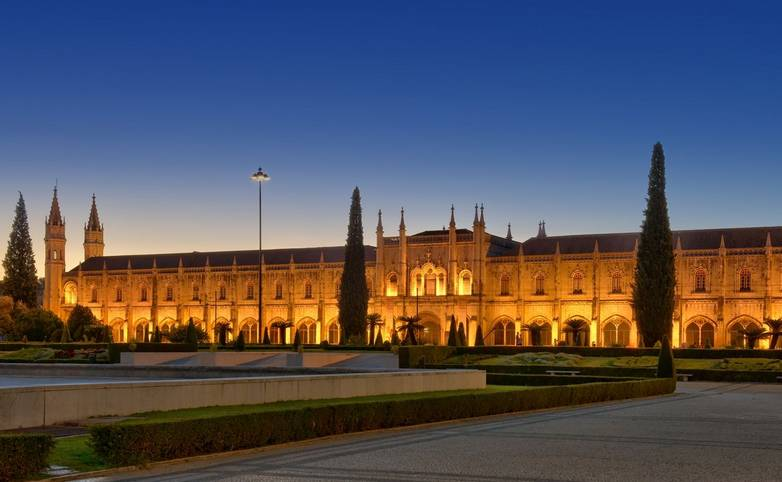 Portugal - Lisbon - Gardens & Palaces of Lisbon and Sintra - AdobeStock_91579562.jpeg