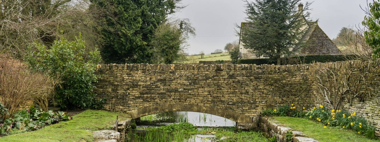 Bourton - Cotswolds - Gentle Guided -  AdobeStock_200963697.jpeg