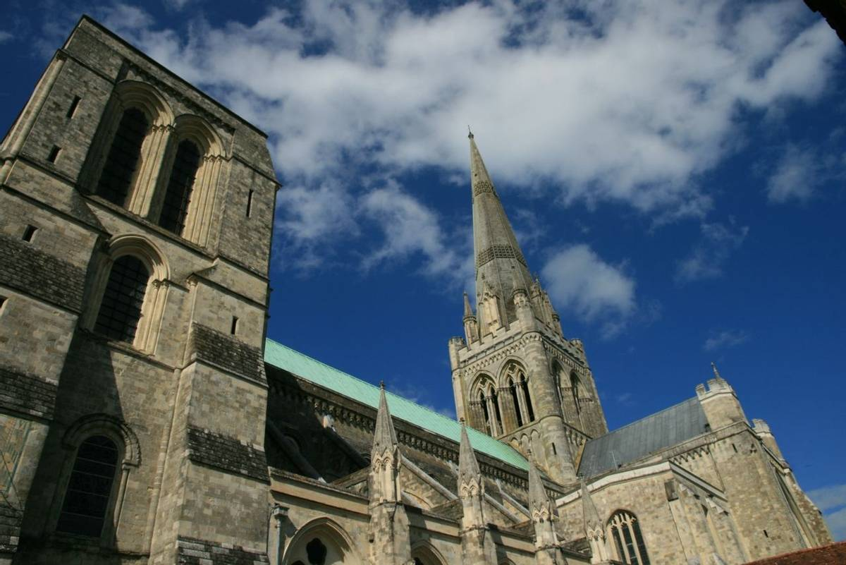 Chichester_Cathedral_2.JPG