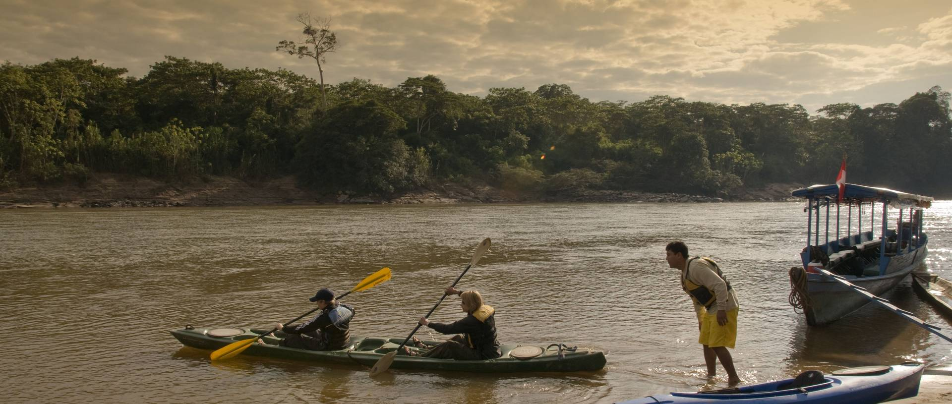 Cayo   Sea Kayaking The Tambopata River, Refugio Amazonas
