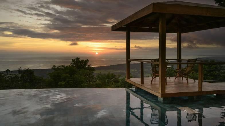 lapazul-retreat-pool-view-3.jpg