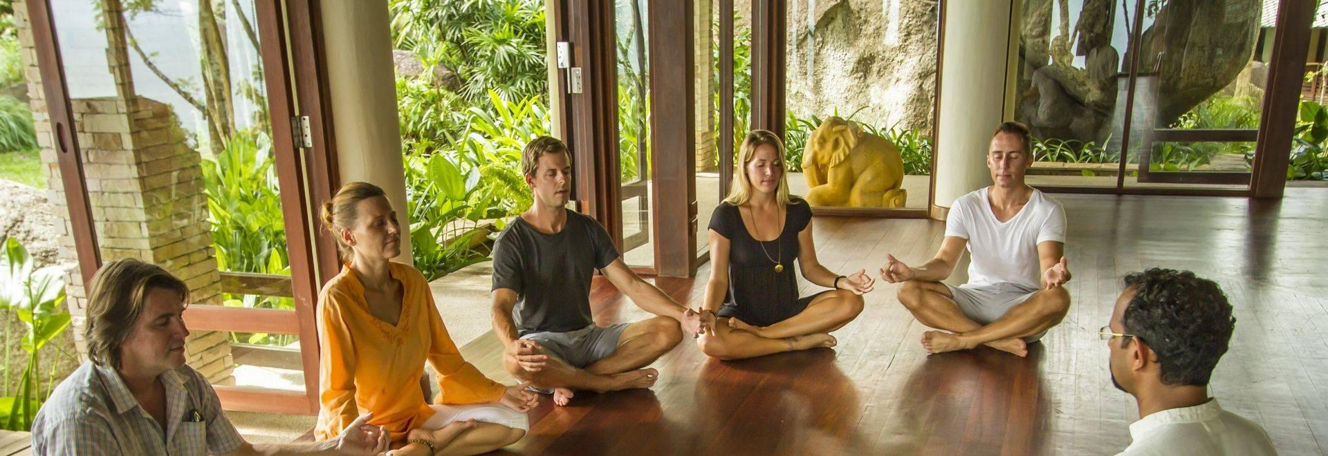 Kamalaya-group-class-meditation.jpg