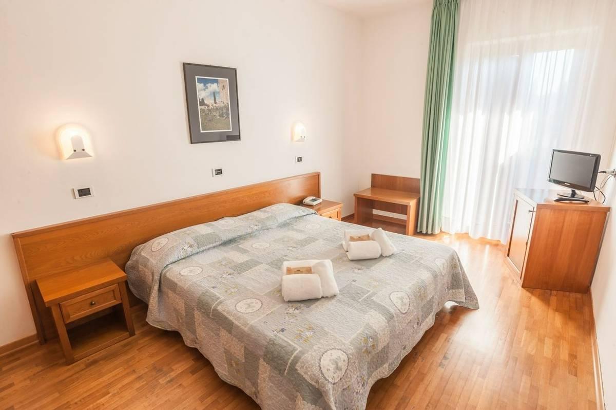 Italy - Tuscany - Hotel Albergo Palazzuolo -camera Matrimoniale Standard 5.jpg