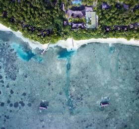 Stay in Medhufushi Island Resort