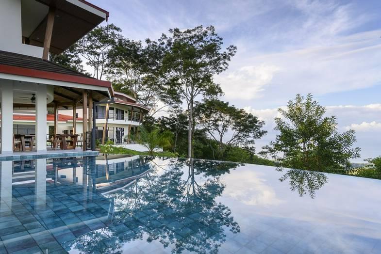 lapazul-retreat-pool-view-4.jpg