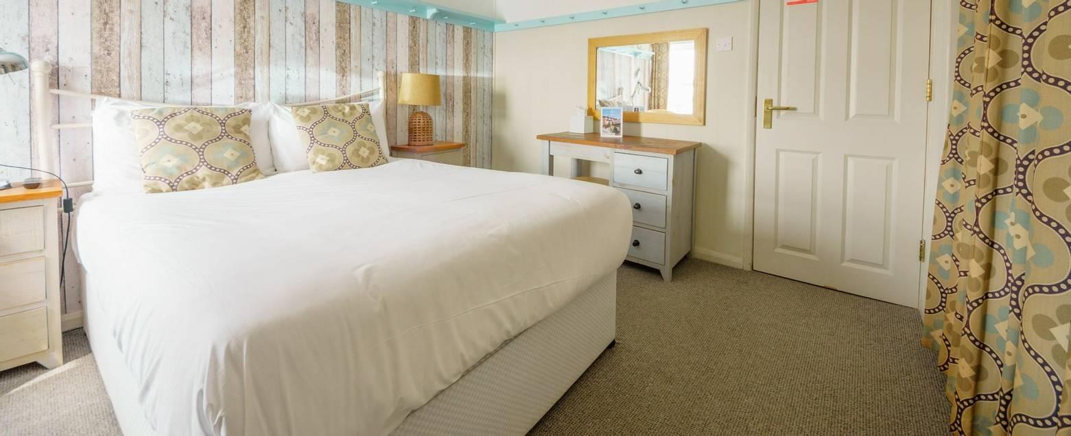 10672_0133 - Room 7