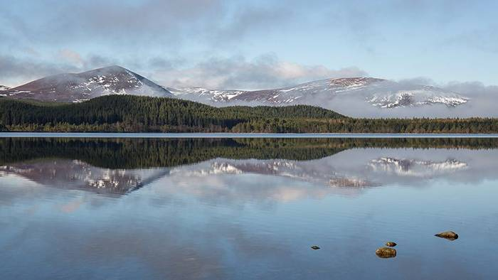 Loch Morlich  (Robert Harvey)