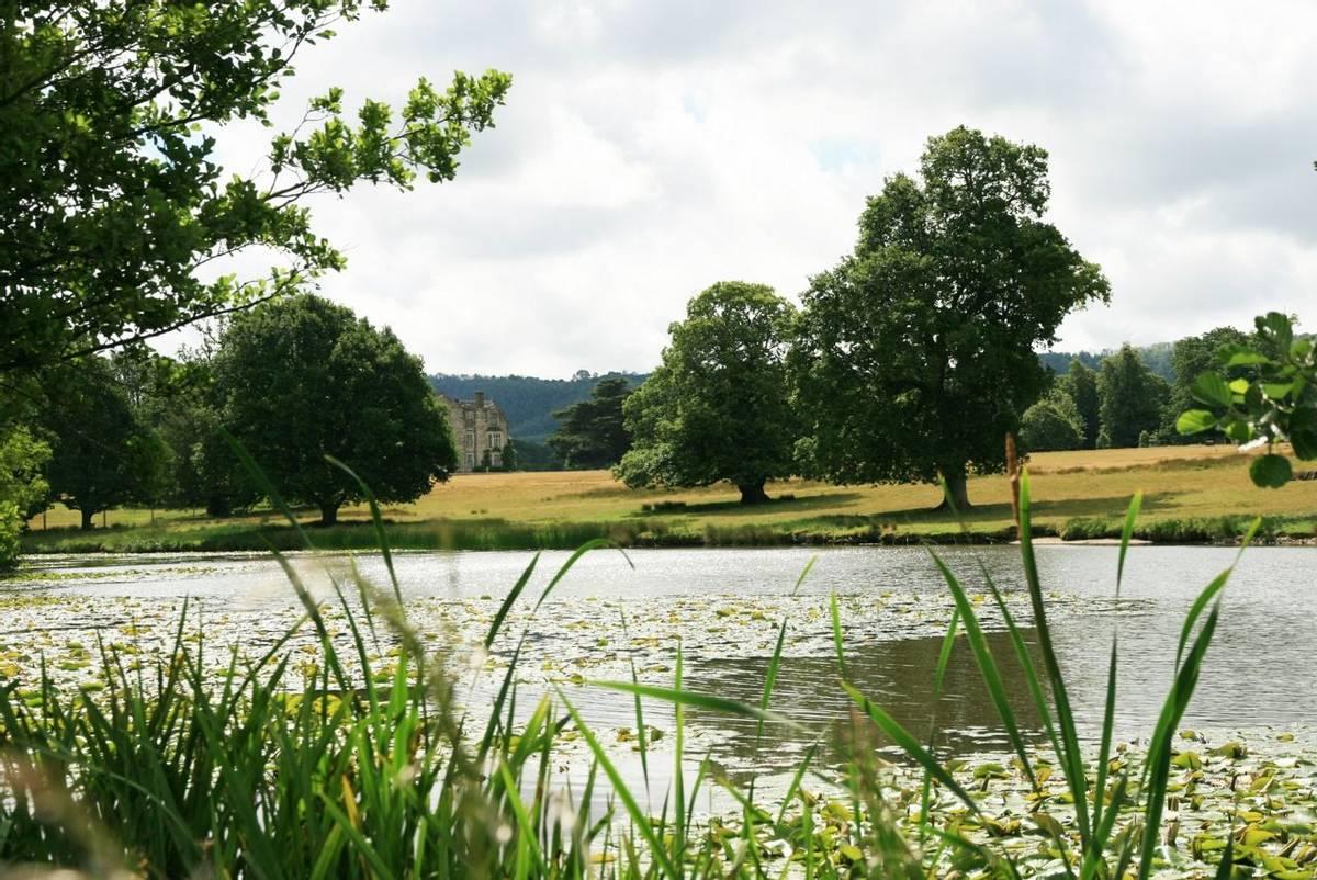 Parham_house_lake.JPG