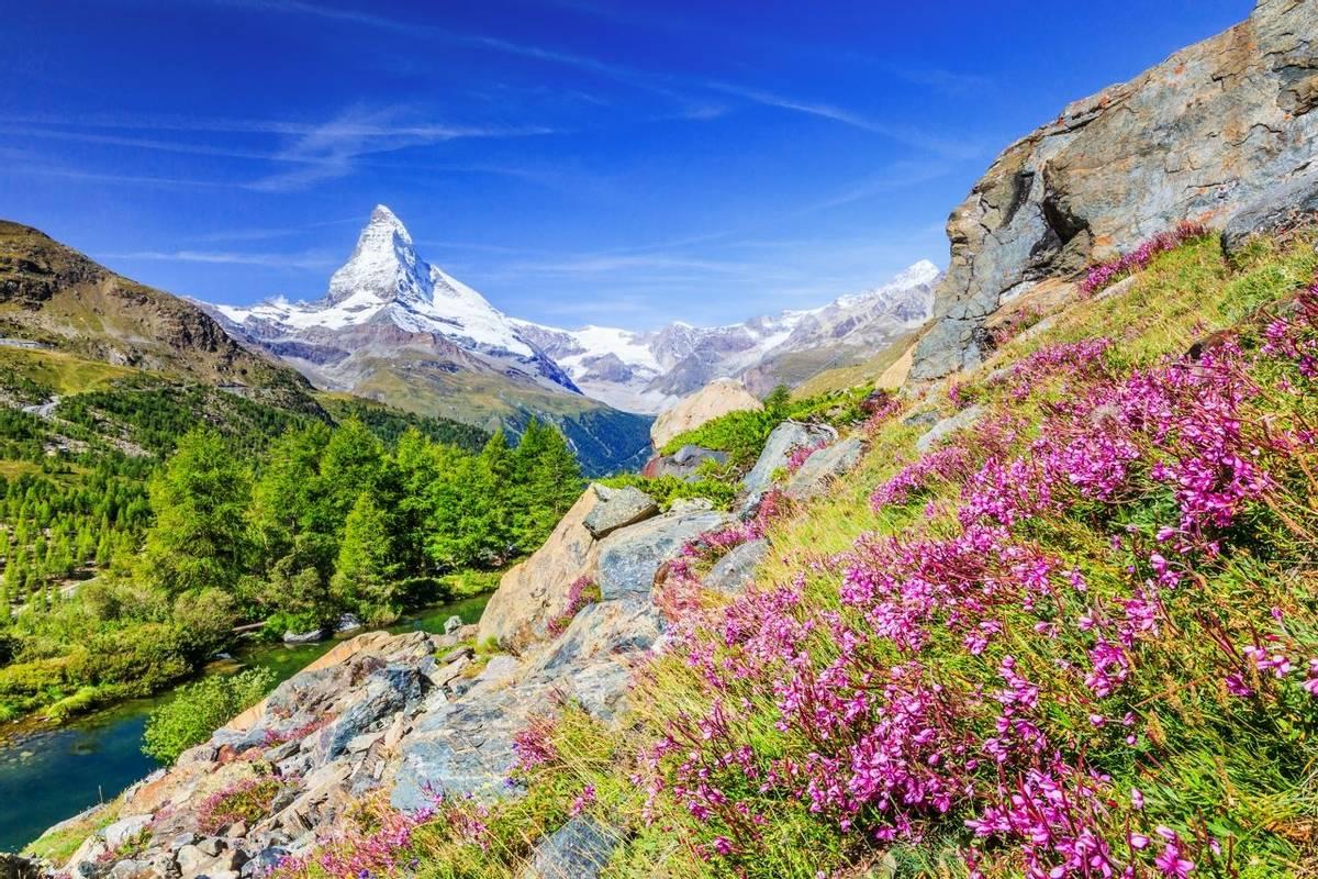 Matterhorn, Switzerland Shutterstock 704449417