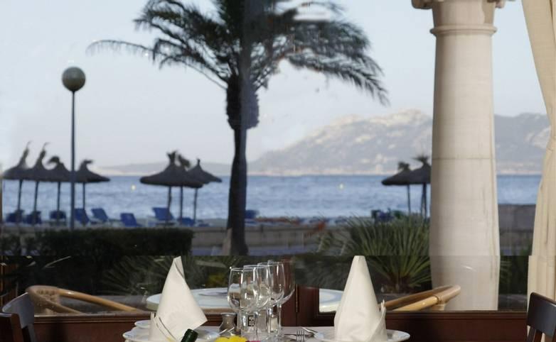 Spain - Mallorca - Hoposa Hotel Uyal - Dinning room.JPG