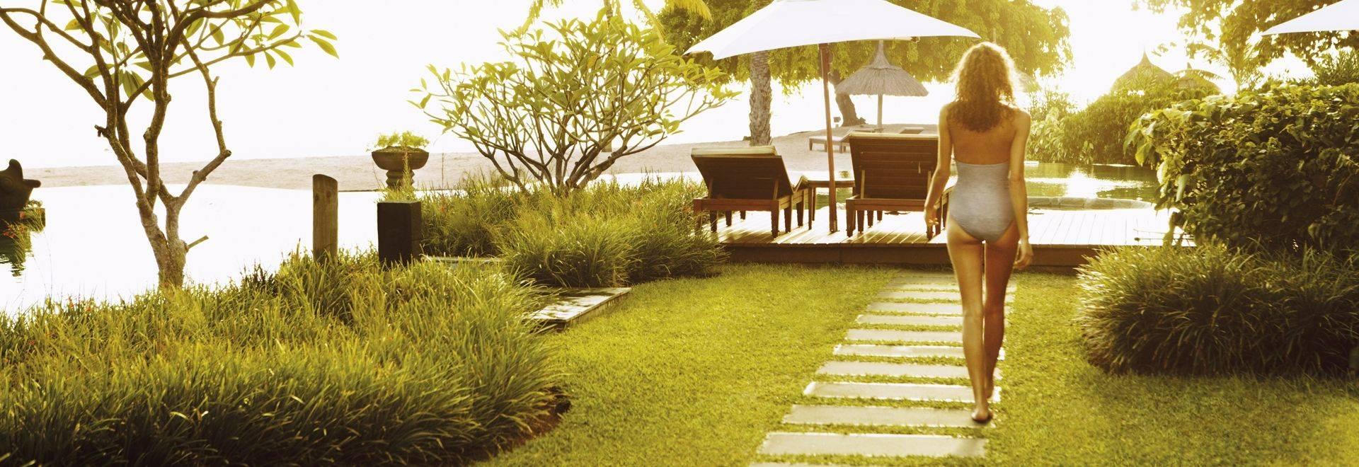 Shanti-Maurice-woman-gardens.jpg