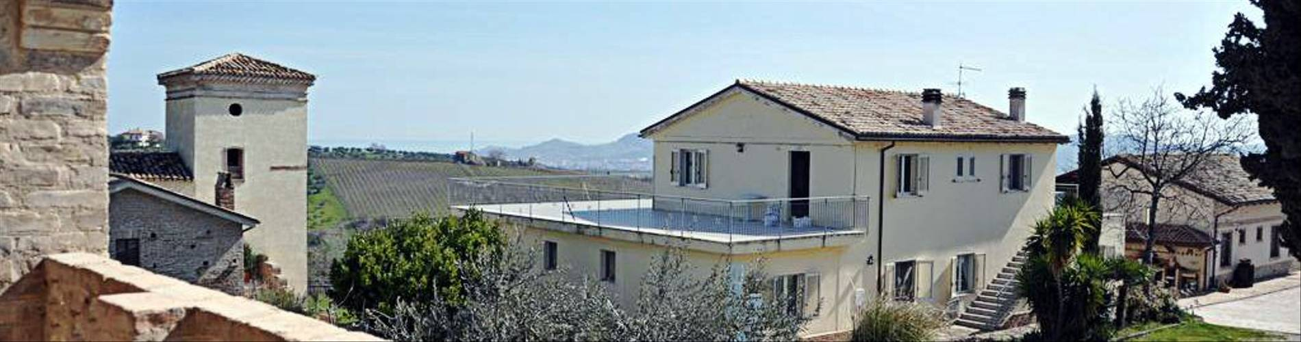 Il Grappolo, Abruzzo, Italy (2).jpg