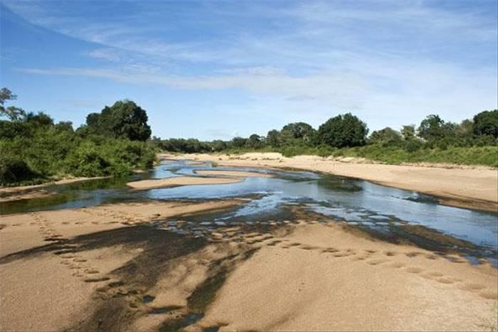 River (Leon Marais)