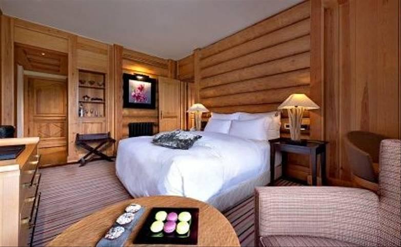 Morocco - Hotel Michlifen 3 - Bedroom - Agent.jpg