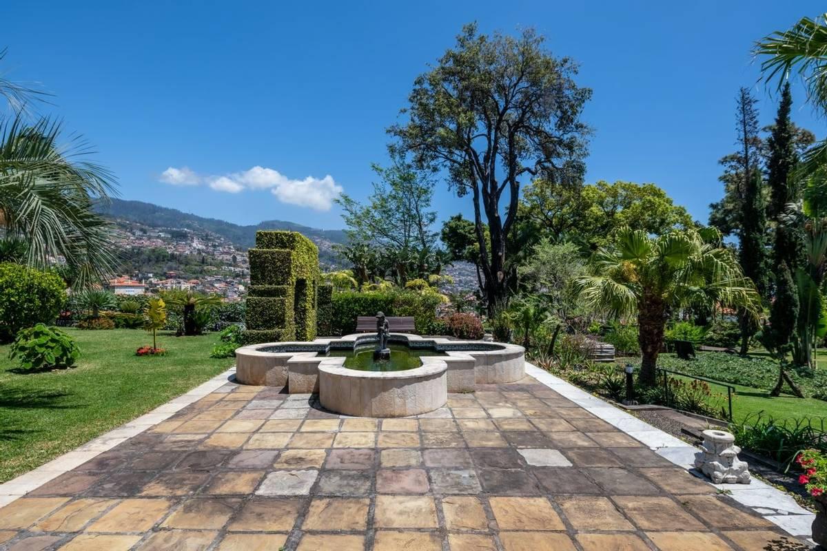 Portugal - Gardens of Madeira - Alberto Reynolds  - 31. QUINTA JARDINS DO LAGO GARDENS.jpg