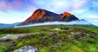 The remote Lagangarbh Hut in front of Buachaille Etive Mor in Glen Coe, Scotland