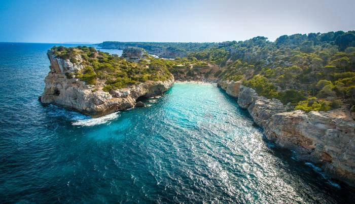 Fermentor, Mallorca Shutterstock 1015589623
