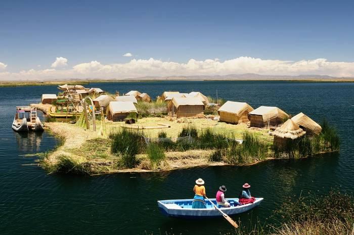 Uros Islands, Lake Titicaca, Peru shutterstock_481336384.jpg