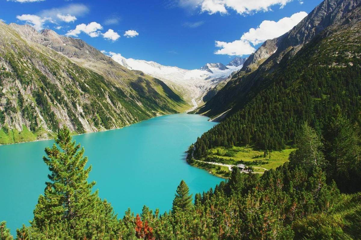 Austria - Mayrhofen - Zillertal Alps - AdobeStock_65358686.jpeg